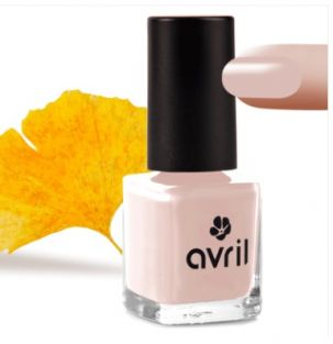 vernis rose french manucure