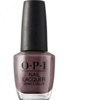 vernis à ongles rose pastel opi