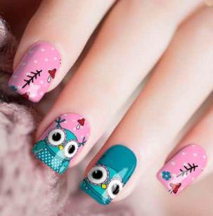 Nail patch avec nail art fleur roses
