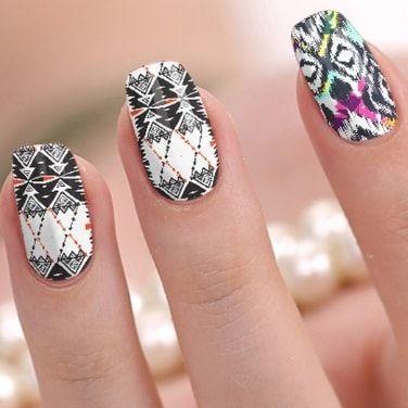Afrique et touche fluo nail wrap