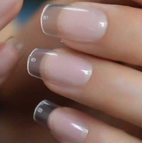 faux ongles carrés