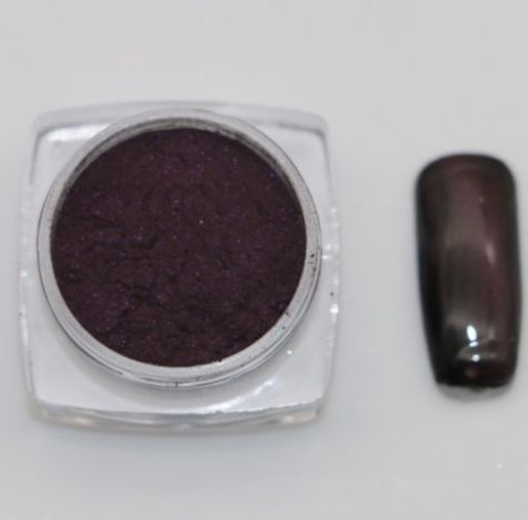 pigment nail art cat eye violet