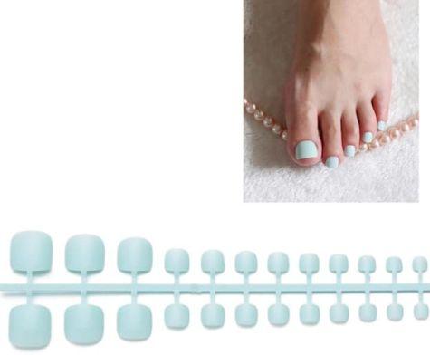 faux ongles orteils bleu doux
