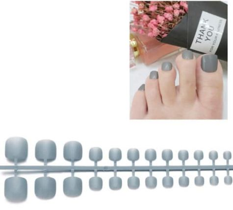 faux ongles gris pieds