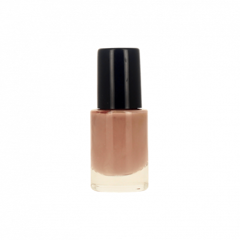 beige vernis à ongles nude