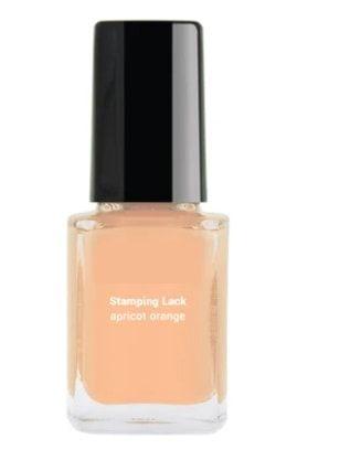 Vernis à ongles orange doux
